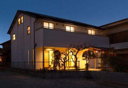 基礎を嵩上げし新築同然に生まれ変わった築46年の家